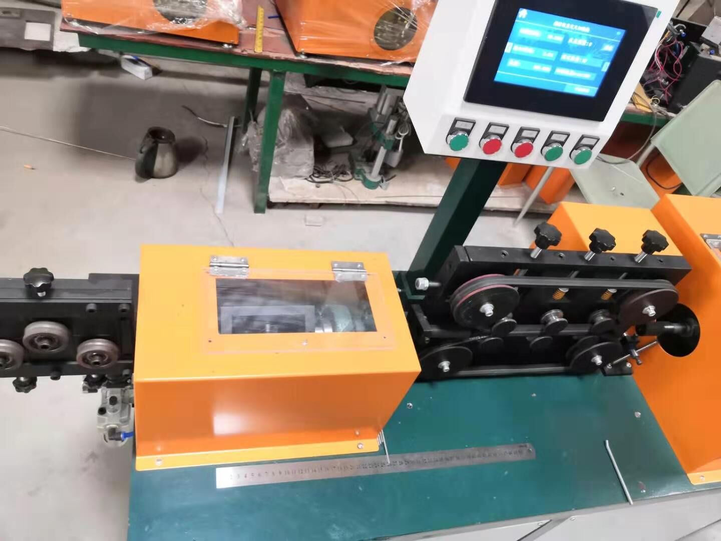Straightening & Cutting Machine for MI Cable (HAN-999)